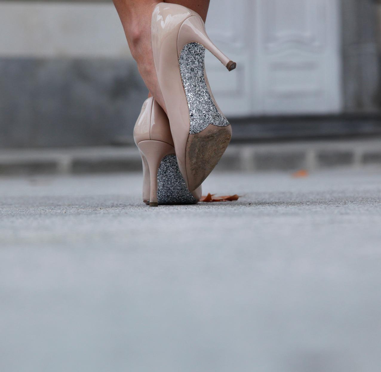 Valentines-day-look_romantic-style_silvia-serban_golden-skirt_streetstyle_cool-lemonade_fashion-blogger