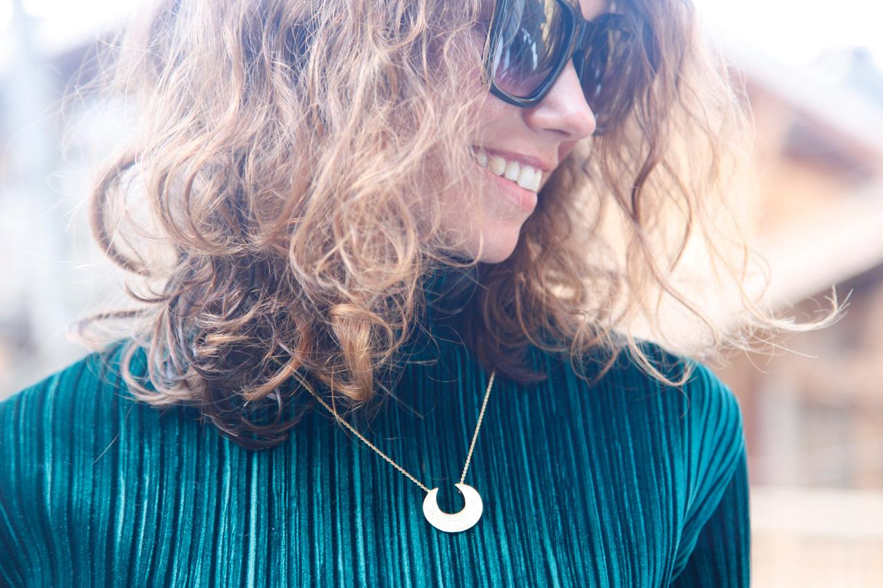 green_velvet_top-cozy_look_cool_lemonade_streetstyle