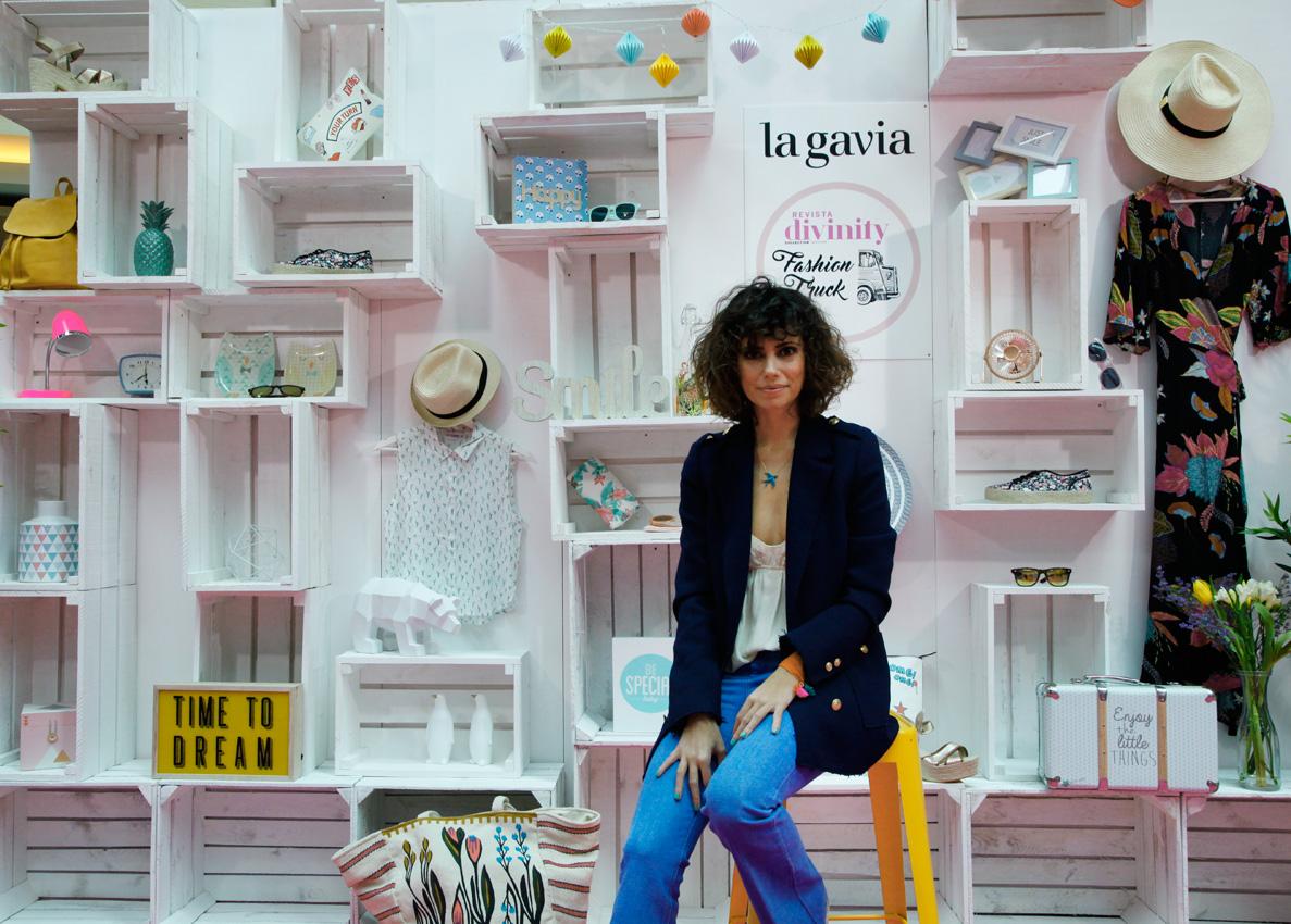 Divinity_fashion_truck-La_Gavia-Cool-Lemonade_bloggger