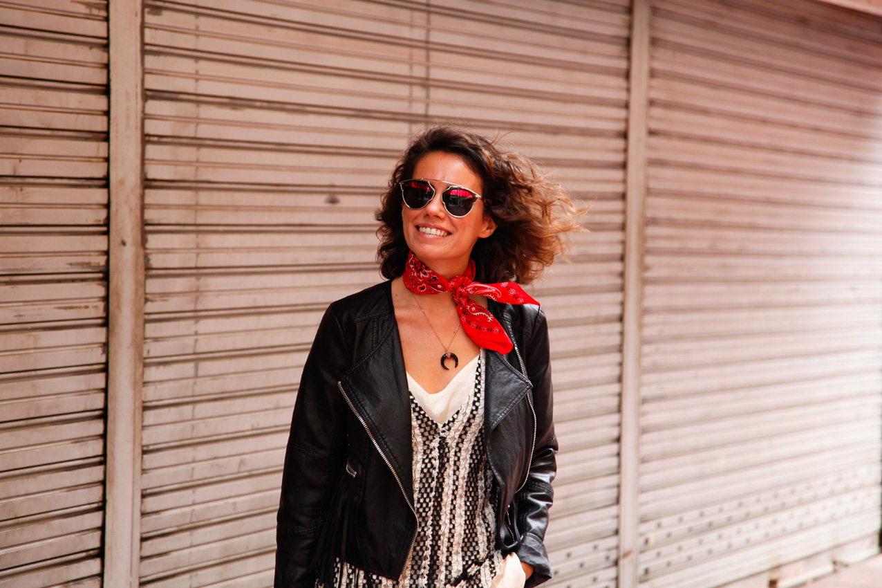 Beige&Black_look-streetstyle-cool_lemonade_bandana_Mango