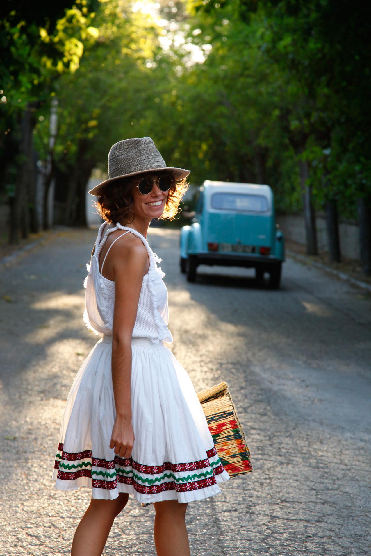 ibiza_style_white_skirt-polin_et_moi-cool_lemonade-blue_popelina