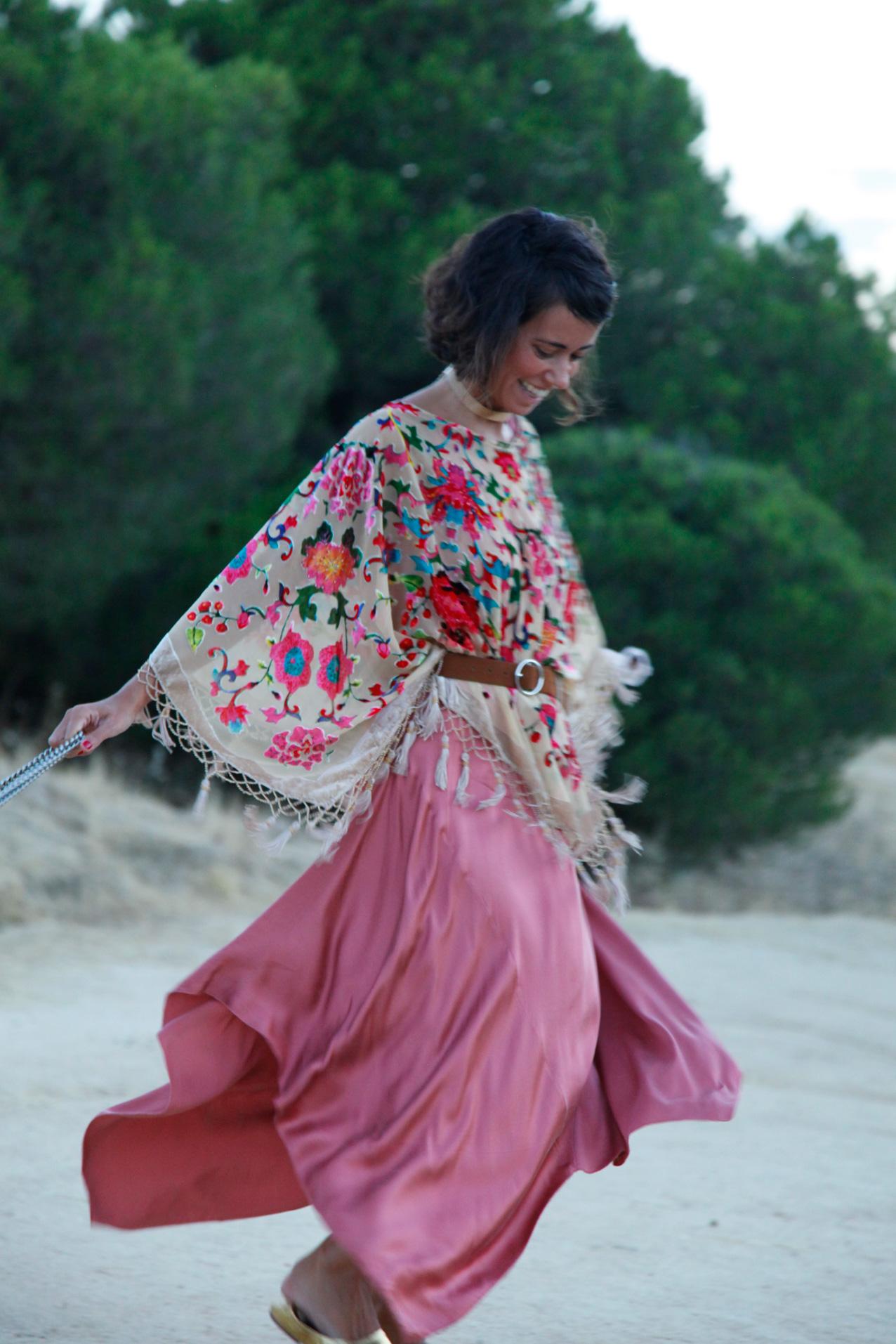 hippy_boho_dress-embroidered-cool_lemonade-strretstyle
