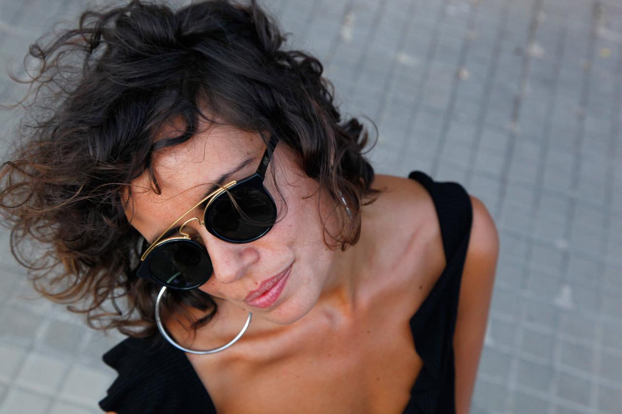 mom_jeans-black_shirt-basics-cool_lemonade-streetstyle-look