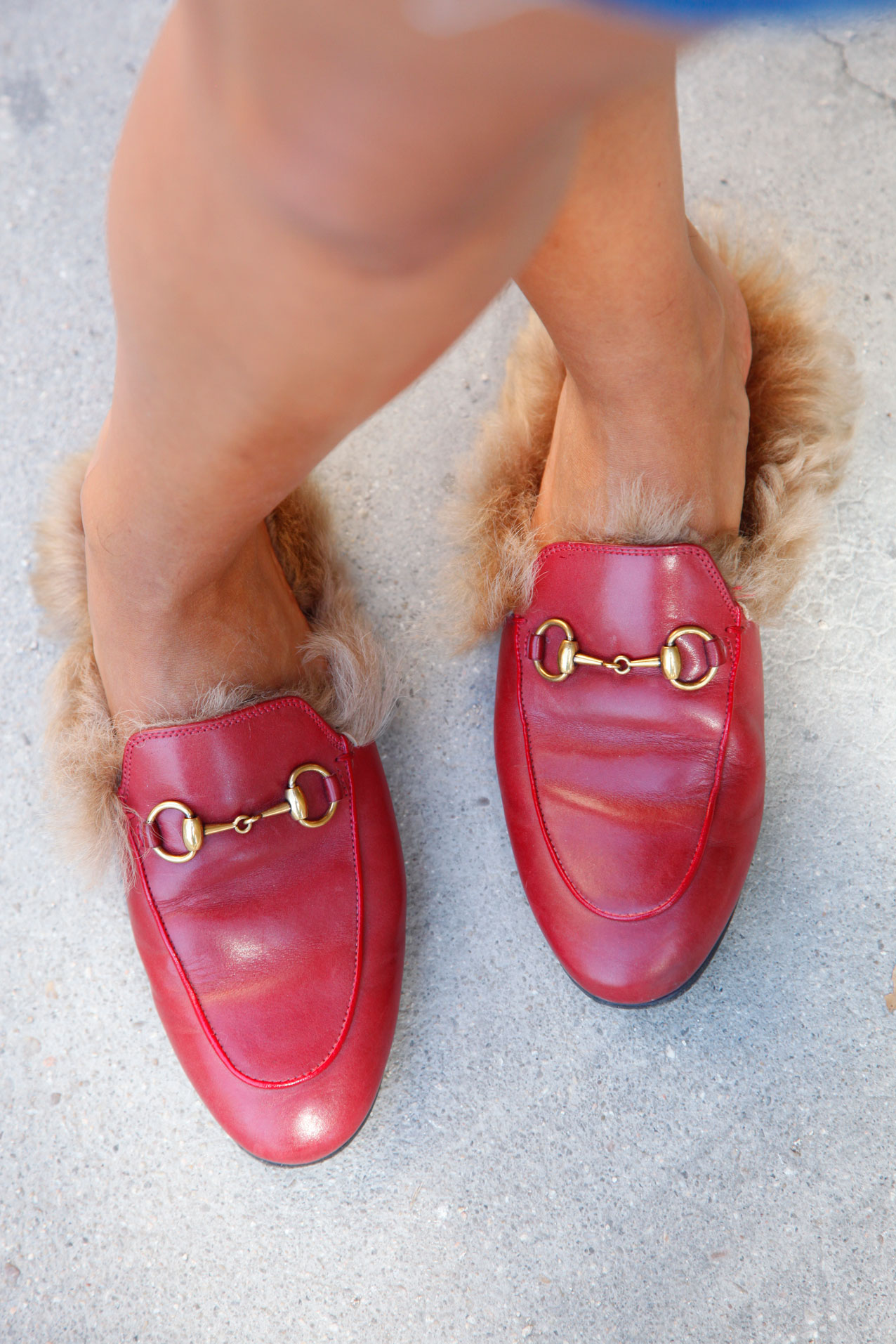 gucci_slippers_adn_denim_skirt_look-cool_lemonade