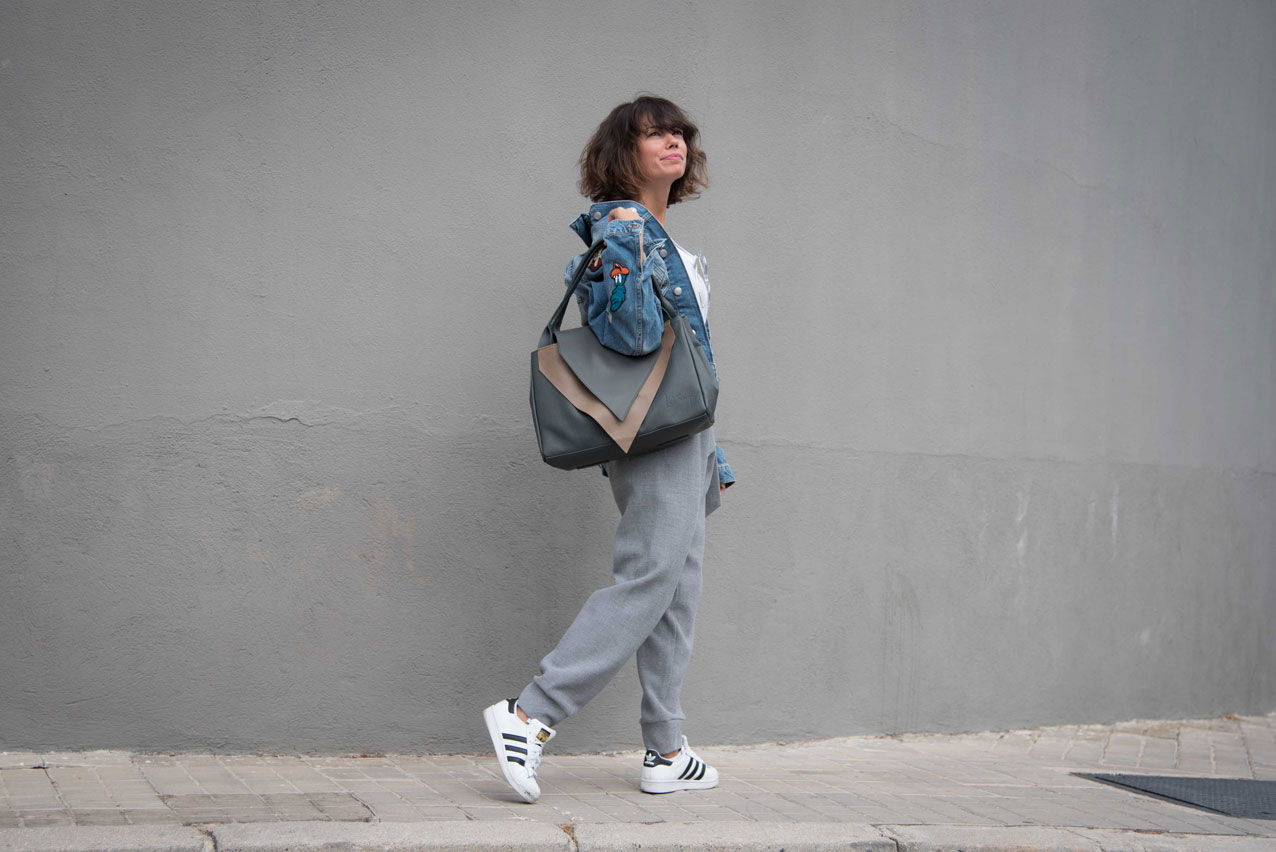be_le_muy-bag-mogambo-cartoons_denim_jacket-grey_look-streetstyle-cool_lemonade8