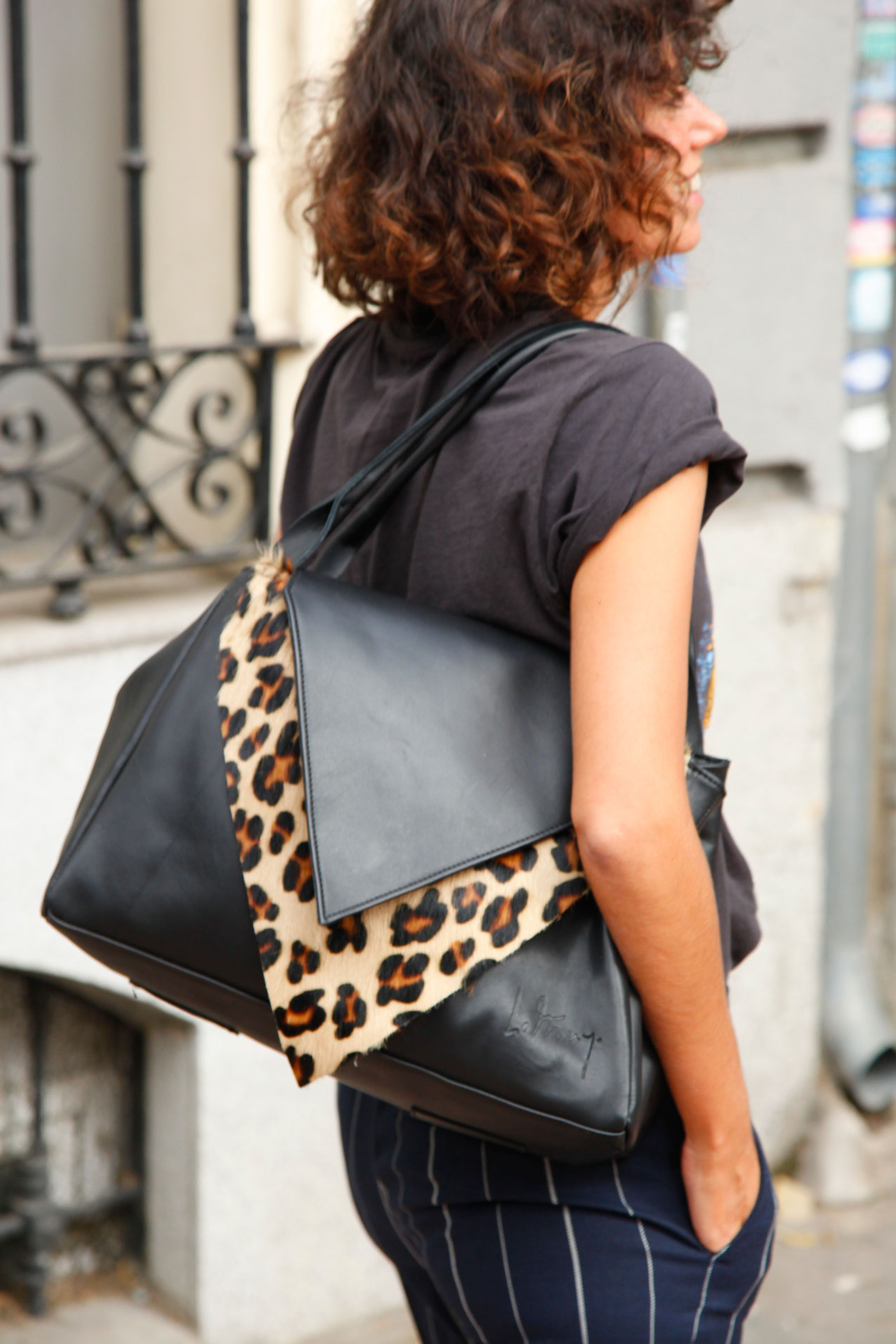 le-muy-mogambo-bag-leopardo-and-siplomatic-metallica-shirt-cool-lemonade-streetstyle3