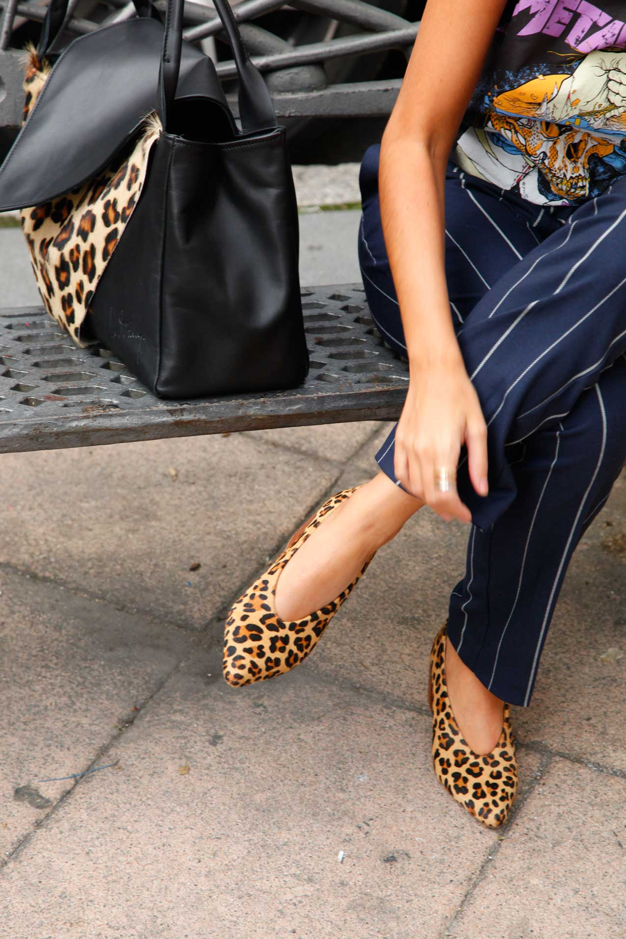 le-muy-mogambo-bag-leopardo-and-siplomatic-metallica-shirt-cool-lemonade-streetstyle5